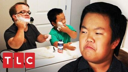 Alex aprende a se barbear e descobre algo repulsivo | Os Pequenos Johnstons | TLC Brasil
