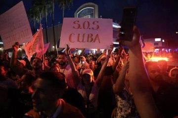 Los cubanos realizan protestas y piden la renuncia de su presidente