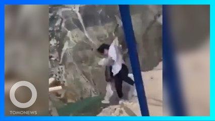 Dua Wanita Terjatuh dari Ayunan di Tepi Tebing Setinggi Hampir 2.000 Meter di Rusia - TomoNews