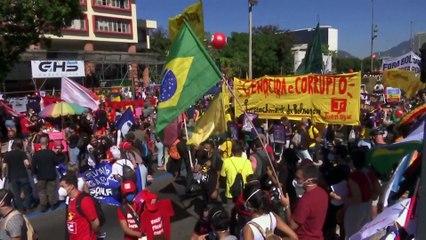 Landesweite Proteste gegen Präsident Bolsonaros Corona-Politik
