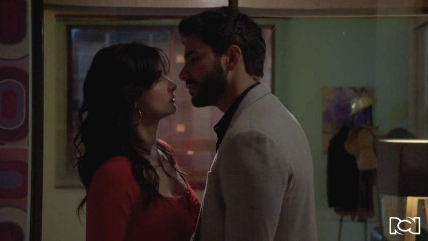 Capítulo 127 - T2   María Clara y Carlos les son infieles a sus parejas