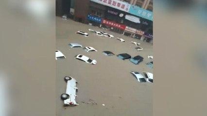 Chine : la ville de Zhengzhou sous les eaux, au moins 12 victimes