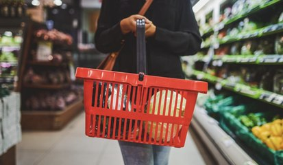 Tips and Tricks for Saving Money at the Grocery Store, According to a Financial Expert