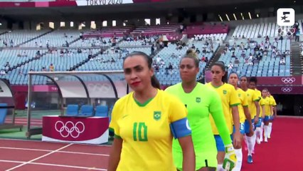 Le Brésil frappe fort pour son entrée en lice