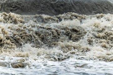 25 muertos, al menos 100,000 evacuados tras inundaciones en la provincia china de Henan