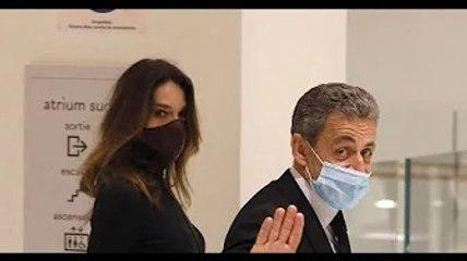 """Carla Bruni-Sarkozy, maman modèle ? """"Je ne suis plus cette maman fantastique"""""""