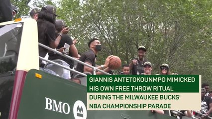 Wait for it! Giannis shoots free throw into Bucks parade crowd