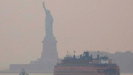 El humo de los incendios forestales occidentales se propaga a la costa este provocando adv