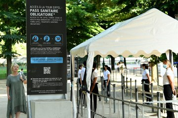 Visitors Will Need France's Digital Health Pass to Climb the Eiffel Tower This Summer