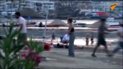 Plajdaki tartışma yumruklu kavgaya dönüştü