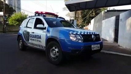 Homem é detido pela GM acusado de tentar enforcar mulher com fio de fone de ouvido no Periolo