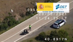 VÍDEO: Estos motoristas se la juegan adelantando en continua (con final merecido)