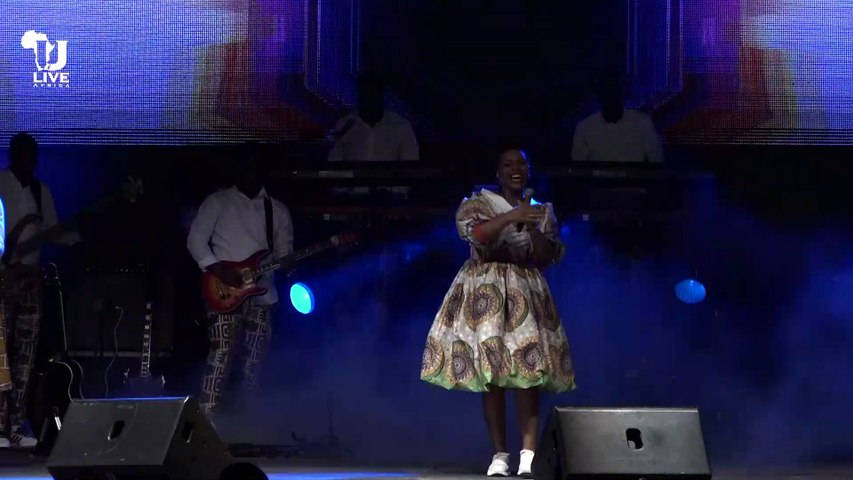 L'INSTANT ULIVE #2   Dena Mwana - Bolingo Etomboli Ngai