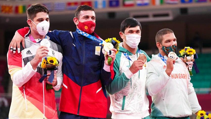 Jeux olympiques : les médaillés en gymnastique, judo, équitation et escrime