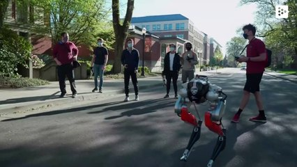 'Blind' bipedal robot travels 5 kilometers for the first time in the US