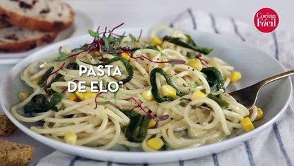 Pasta con crema de elote y chile poblano | Cocina Fácil
