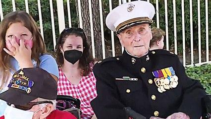 Geburtstagsfeier mit vier Generationen: Ältester US-Marine wird 106