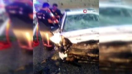 İki otomobil kafa kafaya çarpıştı:3 ölü, 4 yaralı
