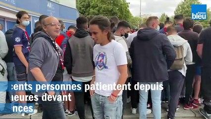 Les supporters du PSG attendent Lionel Messi
