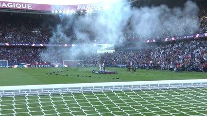 Présentation des nouvelles recrues du PSG au Parc des Princes (Crédit PSG TV)