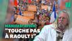 Florian Philippot et les antivax en soutien à Didier Raoult à Paris