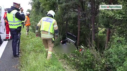 Familie bei Unfall in Pettnau verletzt