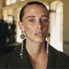 Olivia Baglivi para Instyle septiembre