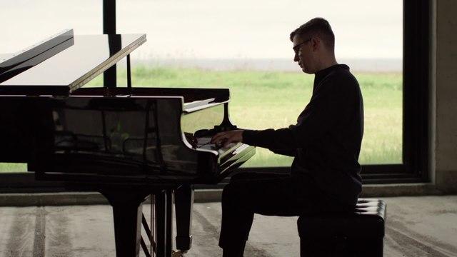 Víkingur Ólafsson - Mozart: Piano Sonata No. 14 in C Minor, K. 457: I. Molto allegro