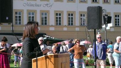Eröffnung Altöttinger Klostermarkt 2021 durch Ministerin Michaela Kaniber auf dem Kapellplatz