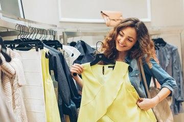 Voici pourquoi il faut absolument laver les vêtements neufs avant de les porter