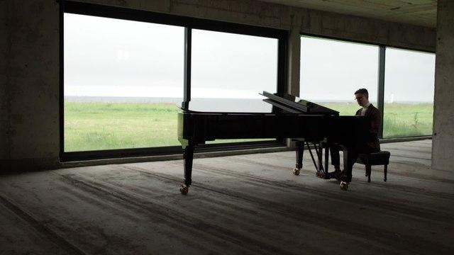 Víkingur Ólafsson - Mozart: Ave verum corpus, K. 618 (Transcr. Liszt for Solo Piano)