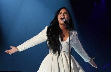 Demi Lovato: 'Ho visto un UFO nel deserto della California'