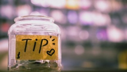 How You Can Navigate the Service Industry With These Tipping Etiquette Tips