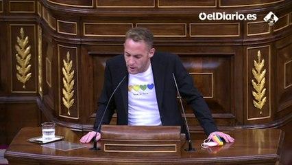 """Arnau Ramírez (PSOE); a Vox: """"¿Se pueden imaginar lo que es tener miedo a darle la mano a tu pareja en público?"""""""