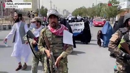 Kabil'de Taliban yanlısı kadınlardan örgüte destek yürüyüşü