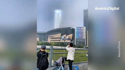 ¿Ovnis o Dios? Un misterioso pilar de luz causó desconcierto entre los habitantes de una ciudad de China