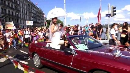 VIDÉO. Suisse : des milliers de personnes à la marche des fiertés alors que le pays se prépare à voter sur le mariage homosexuel