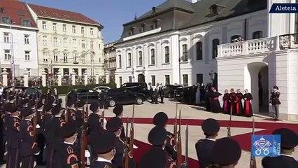 Oficjalne powitanie papieża w Bratysławie