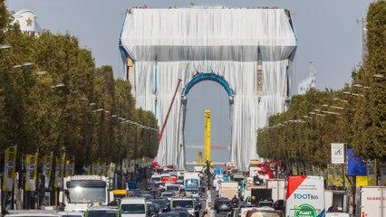 Les Parisiens plus ou moins emballés par l'empaquetage de l'Arc de Triomphe