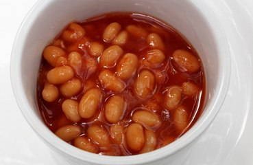 Shopkeepers warned about selling baked beans to youths due to TikTok trend