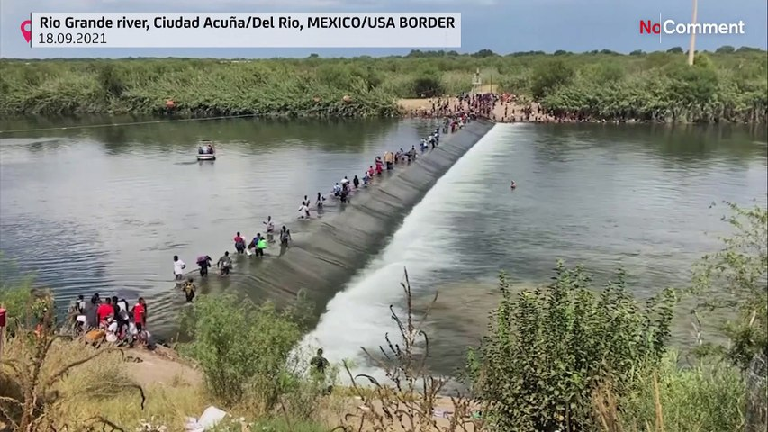Migrants crossing Rio Grande to US border from Mexico