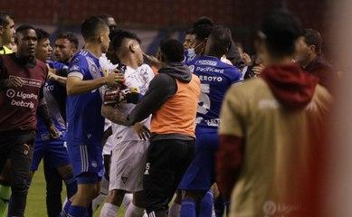 Liga PRO anuncia sanciones para jugadores de Emelec y Liga de Quito