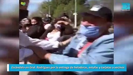Escándalo en Gral. Rodríguez por la entrega de heladeras, estufas y tarjetas a vecinos