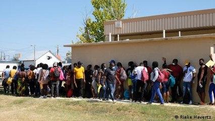 Migranten in Texas zwischen Hoffen und Bangen