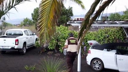 La lava ralentiza su marcha hacia el mar mientras la Palma ayuda sin descanso a los afectados