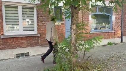 Anderlecht: l'ex-bourgmestre Gaëtan Van Goidsenhoven découvre un plant de cannabis sur le trottoir