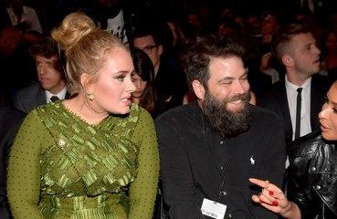 Adele admite ter se sentido envergonhada com fim 'prematuro' de casamento