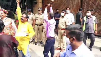 Birthday Special Amitabh Bachchan waves to his fans gathered outside his residence 'Jalsa'