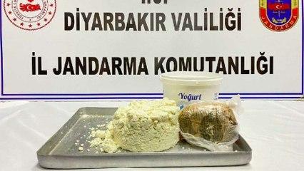 Yoğurt kovasındaki peynirin içinden esrar çıktı