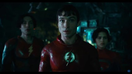 The Flash - Teaser trailer avec Michael Keaton en Batman (VO)
